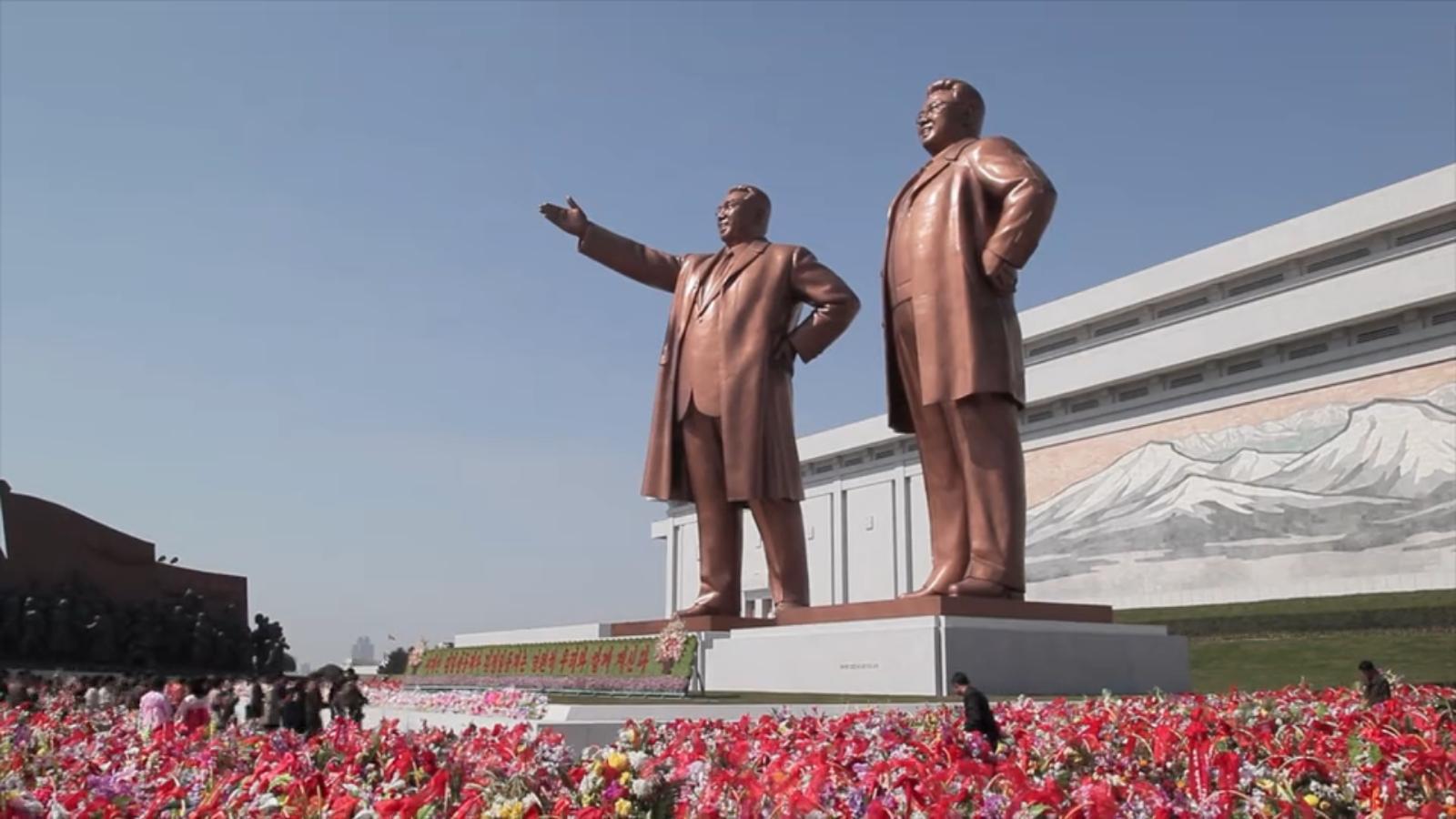 """A família kim foi a única que conseguiu poder """"eterno"""" passando de pai para filho e neto - pelo menos até agora"""